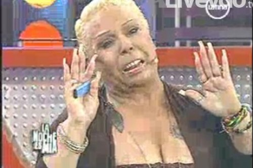 Lucía de la Cruz 'quemó' a Luisito Caycho en vivo