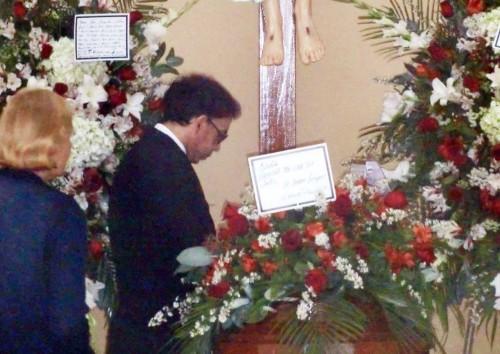 Video: El adiós de la abuelita de Ernesto Pimentel