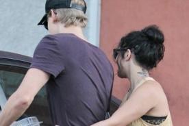 Vanessa Hudgens y Austin Butler cada vez más enamorados