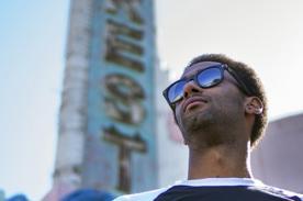 Hombre quiere cruzar Estados Unidos en skate - Video