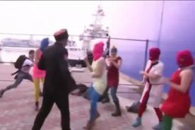 Las Pussy Riot fueron agredidas en los Juegos Olímpicos de Sochi 2014 (Video)