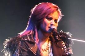Demi Lovato se quiebra cantando 'Warrior' tras inspirador discurso (Video)