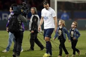 PSG: Zlatan Ibrahimovic se enojó con reportero por empujar a su hijo - VIDEO