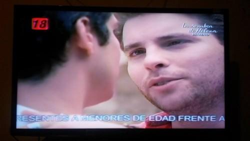 ¿Homofobia en ATV? Canal coloca este mensaje durante novela 'Rastros de mentiras'