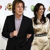 Yoko Ono y Paul McCartney rehúsan cruzar miradas en show homenaje a los Beatles