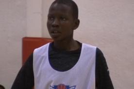 Video: Niño de 12 años apunta como sucesor de Michael Jordan - NBA