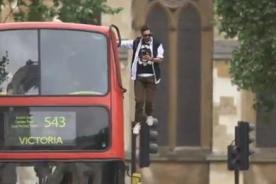 Video: Mago realiza impactante truco de levitación
