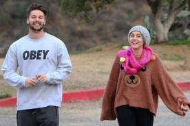 ¿Miley Cyrus y su novio Patrick llevan una vida al estilo 50 Sombras de Grey?