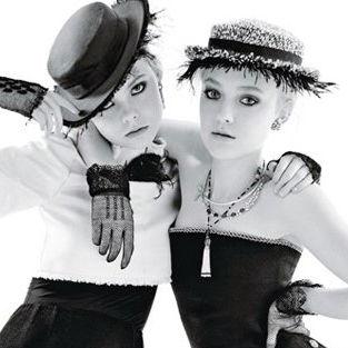 Elle y Dakota Fanning glamorosas en fotos para la revista W