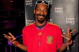 Video: Snoop Dogg sorprende con peculiar estilo para jugar al fútbol