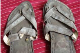 Venden las sandalias de Mahatma Gandhi por 33.600 dólares