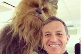 Personaje de Star Wars se toma un divertido 'Selfie' - Foto