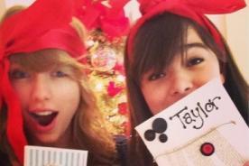 Hailee Steinfeld habla de la cercanía del 'squad' de Taylor Swift
