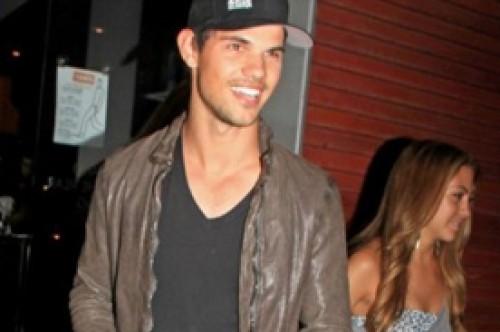 ¿Taylor Lautner retomará romance con su viejo amor Sara Hicks?