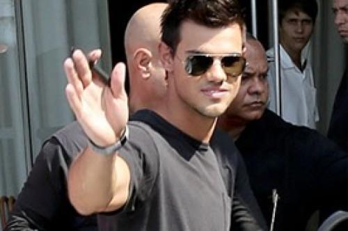 Amanecer Parte 2: Taylor Lautner sigue causando furor en Brasil (Fotos)