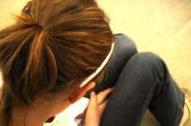 Insólito: Adolescente es condenada a 100 latigazos tras ser violada