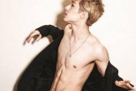 Henry de Super Junior M se destapa y luce sus sexys músculos para Ceci