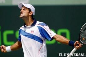 Novak Djokovic derroró a Roger Federer por la Copa de Maestros
