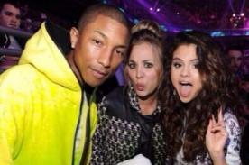 Pharrell y Kaley Cuoco recibieron el slime de los Kids Choice Awards