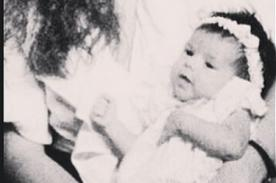 Selena Gomez publica foto de cuando era bebé en la que sale con su mamá