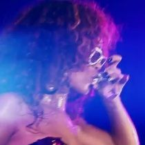 Rihanna estrena video Cheers (Drink To That)