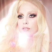 Born This Way rompe récords de Hold It Against Me como canción más descargada