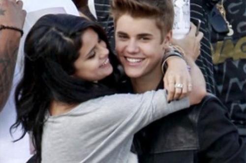 Selena Gomez podría acompañar a Justin Bieber en su gira Believe