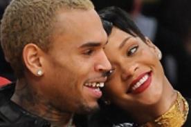 Chris Brown y Rihanna pasan juntos la Navidad y lucen risueños (Fotos)