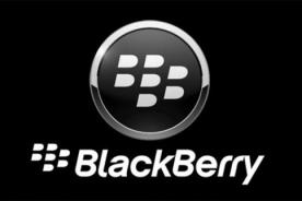 Blackberry califica de anticuado a iPhone