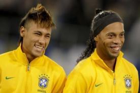 Neymar y Ronaldinho fueron convocados para amistoso contra Chile