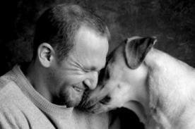 ¿Cómo sabes si tu perro te quiere? 3 signos que lo demuestran