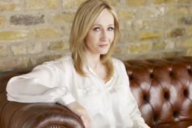 J.K Rowling: Fue un error no relacionar a 'Harry' con 'Hermione'