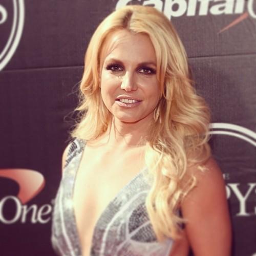 Instagram: ¡Britney Spears eleva la temperatura con sensuales vídeos!