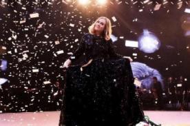 Adele luce irreconocible en fotografía al natural