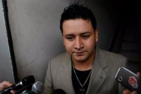 Ampayan a Ronny García bailando reggaeton con jovencita tras abandonar a Karla Solf