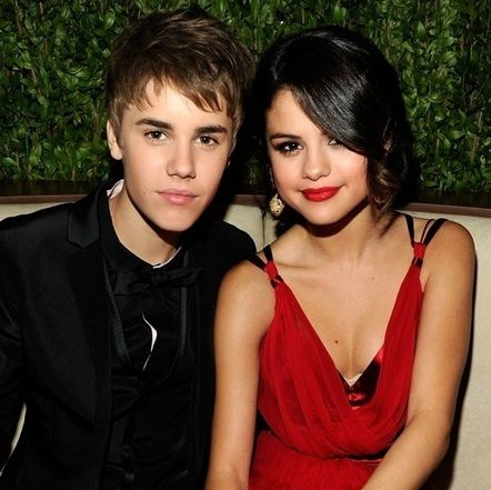 Video: Justin Bieber y Selena Gomez disfrutaron de una tarde de patinaje sobre hielo