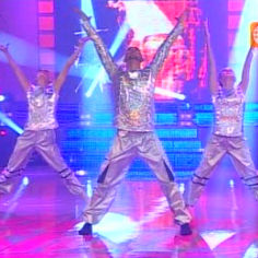 Jurado de El Gran Show impacta con elaborada danza interpretativa