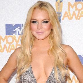 Simon Cowell quiere a Lindsay Lohan como jueza en X Factor USA