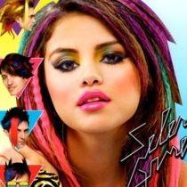 Selena Gomez luce bella y glamorosa en fotografías de nuevo álbum