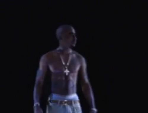 Video: Rapero 'resucitó' en pleno concierto