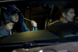 Selena Gomez muy seria en imagen promocional de 'The Getaway'