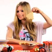 Avril Lavigne comparte tips navideños para decorar galletas (video)