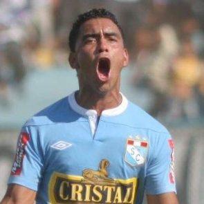 Fútbol peruano: Vitesse de Holanda se interesa en Chavarri y ya no en Advíncula