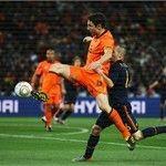 Andrés Iniesta: No le tengo miedo a Van Bommel