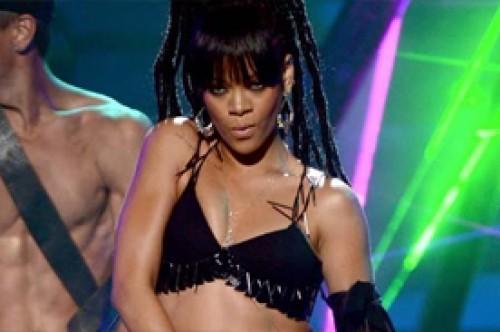 Revive la provocativa presentación de Rihanna en American Idol (Video)
