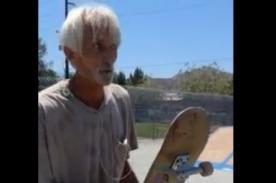 Este hombre de 56 años puede hacer mejores trucos de skateboarding que tú