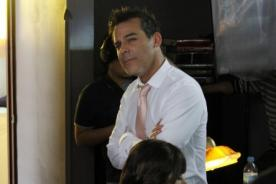Loco Cielo de Abril: Adolfo Aguilar integra elenco de comedia romántica