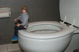 Justin Bieber se bautizó en el baño de una iglesia