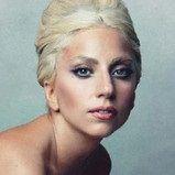 Retrato de Lady Gaga posando desnuda será subastado con fines benéficos