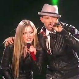 Avril Lavigne sorprendió al realizar dueto con finalista de The X Factor